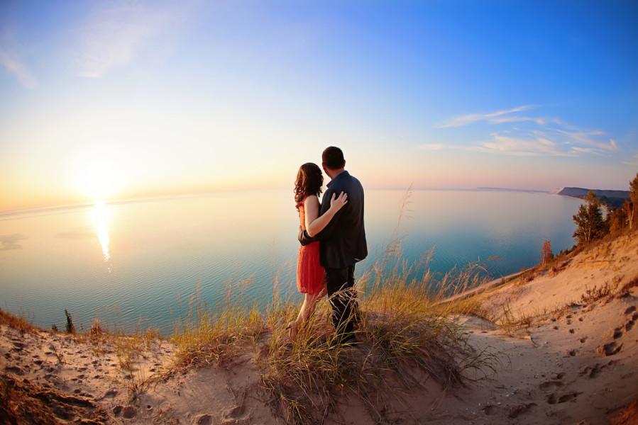 Lake Michigan Dune Engagement Photo | Rayan Anastor Photography | Traverse City Engagement Photographer